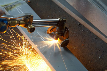 cutting steel with an acetylene torch